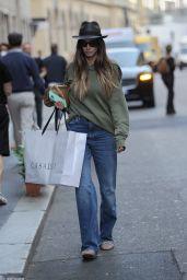 Melissa Satta - Shopping in the Center of Milan 09/28/2021