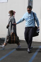 Olivia Jade Giannulli - Leaves DWTS Rehearsals in LA 09/29/2021