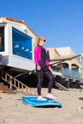 Paris Hilton - Beach in Malibu 09/06/2021