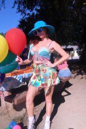 Phoebe Price - Celebrates Her 49th Birthday at the Park in LA 09/27/2021