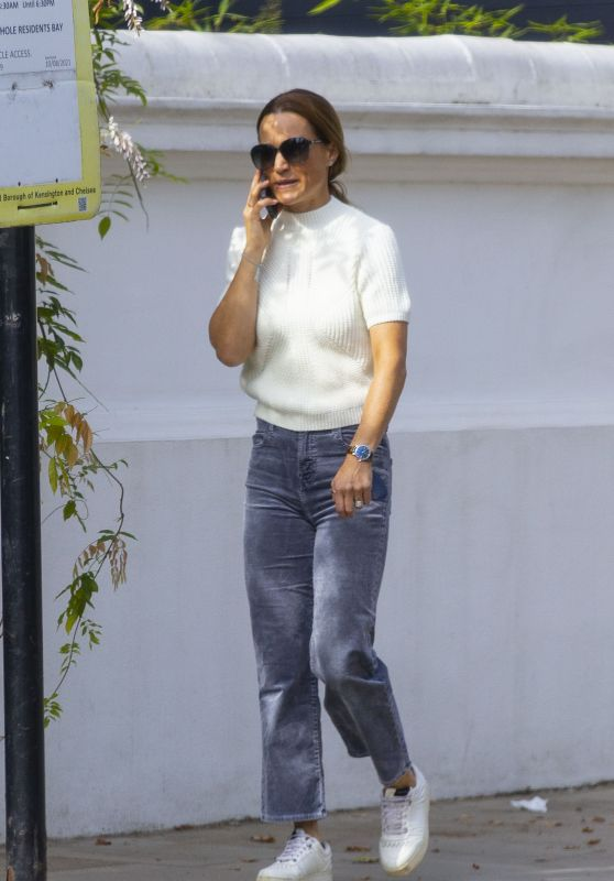 Pippa Middleton - Out in West London 09/18/2021
