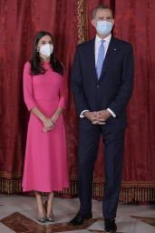 Queen Letizia - Official Lunch at the Royal Palace in Madrid 09/28/2021