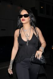 Rihanna at Giorgio Baldi Restaurant in Santa Monica 09/21/2021