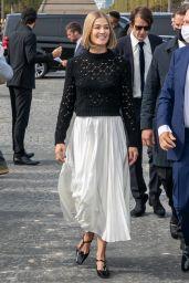 Rosamund Pike – Dior Show at the Paris Fashion Week 09/28/2021 (more photos)