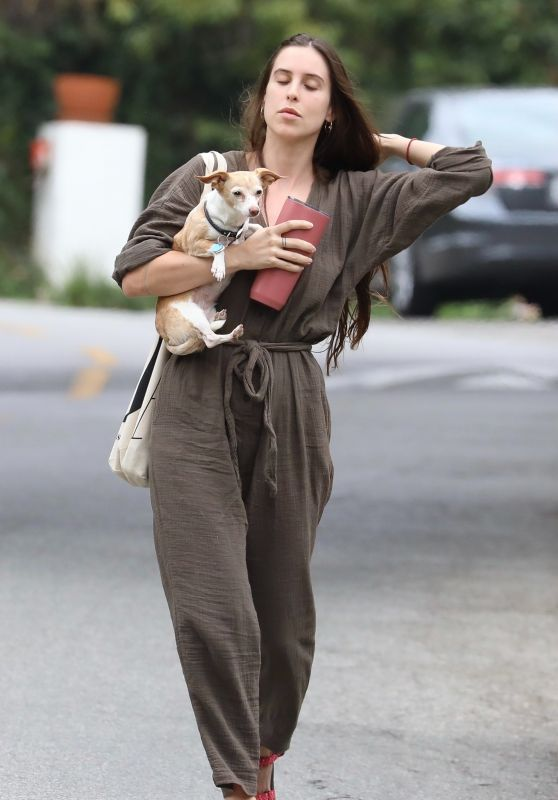 Scout Willis - Heads to Her Sister Rumer