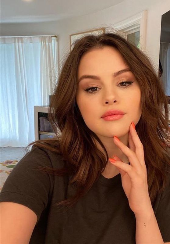 Selena Gomez 09/30/2021