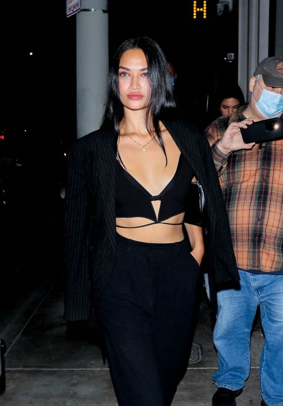 Shanina Shaik in All Black at Catch LA in West Hollywood 09/17/2021