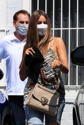 Sofia Vergara Wears a Patterned Top and Ripped Denim - West Hollywood 09/17/2021