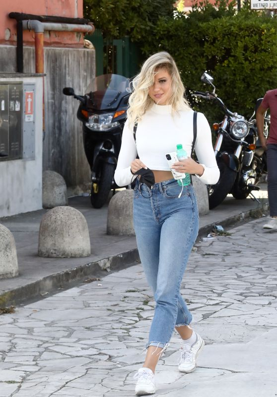 Tove Villfor Arriving at DWTS Rehearsals in Rome 09/24/2021