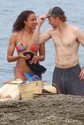 Zawe Ashton and Tom Hiddleston - Beach in Ibiza 09/13/2021