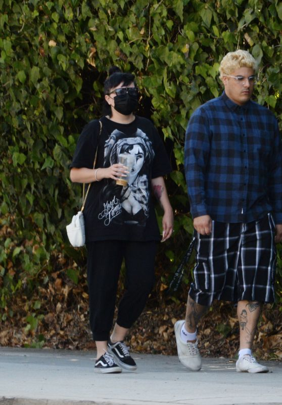 Amanda Bynes With Paul Michael - Out in LA 10/07/2021
