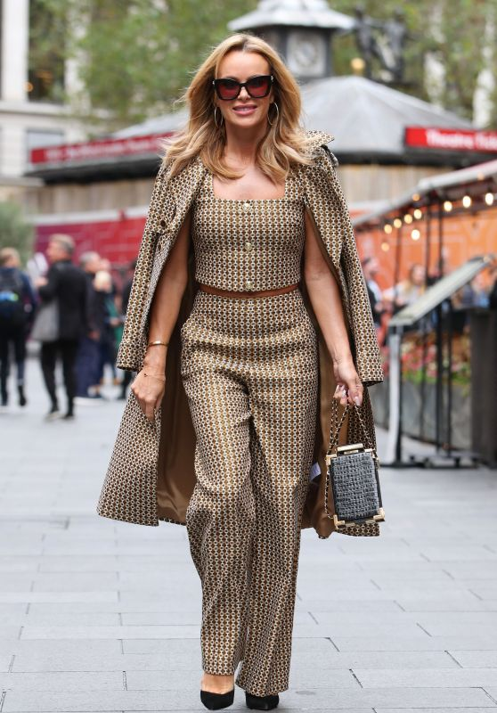 Amanda Holden - Out in London 10/08/2021