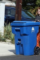 Ariel Winter - Putting Out Her Recycled Trash Can in LA 10/05/2021