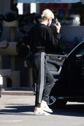 Charlize Theron - Out in Los Angeles 10/12/2021