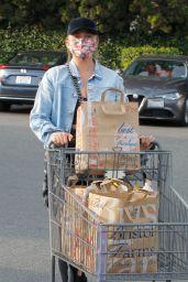 Chrissy Teigen - Grocery Shopping at Bristol Farms in LA 10/06/2021
