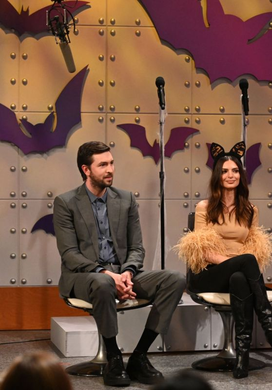 Emily Ratajkowski - Saturday Night Live 10/23/2021