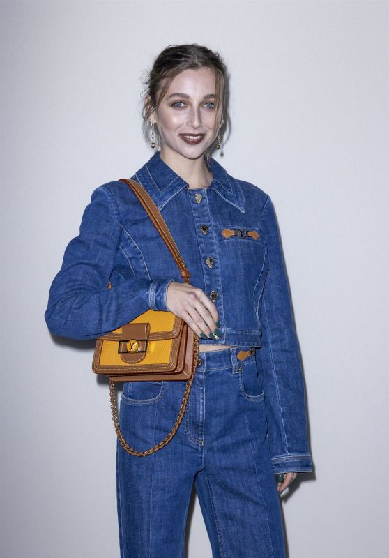 Emma Chamberlain – Louis Vuitton Fashion Show in Paris 10/05/2021