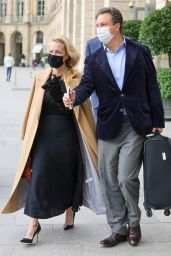Gillian Anderson - Leaves Her Hotel in Paris 09/30/2021