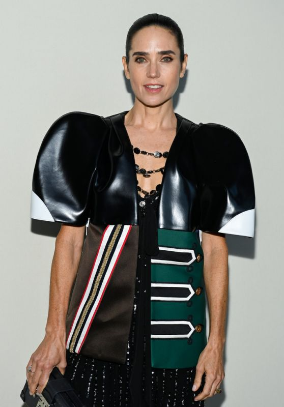 Jennifer Connelly – Louis Vuitton Fashion Show in Paris 10/05/2021