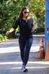 Jennifer Garner - Checks in on Her Under-Construction Home in Brentwood 10/08/2021