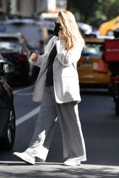 Jennifer Lawrence - Out in New York 10/07/2021