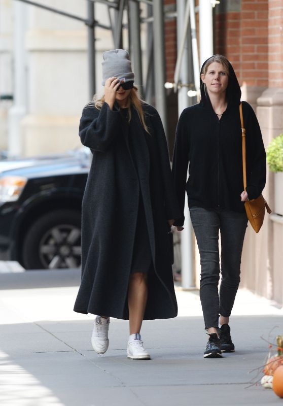 Jennifer Lawrence - Out in New York City 10/21/2021