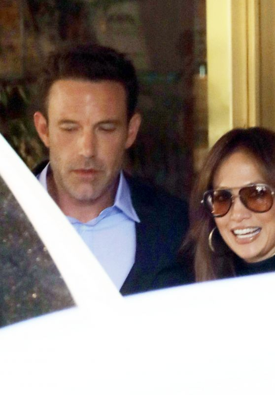 Jennifer Lopez and Ben Affleck - Arrive at the Premiere of George Clooney