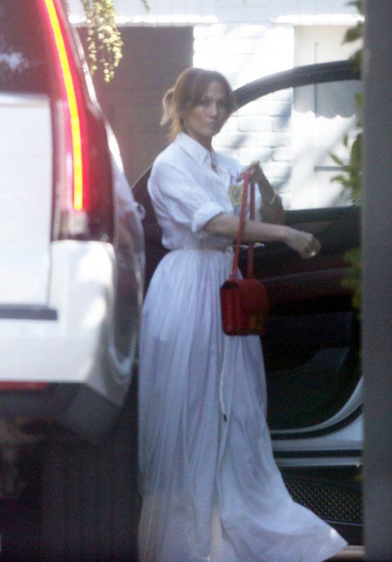 Jennifer Lopez - Out in Thousand Oaks 10/02/2021