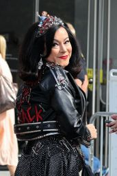 Jennifer Tilly Wearing a Funky Outfit to the New York Comic Con Event in Manhattan 10/11/2021