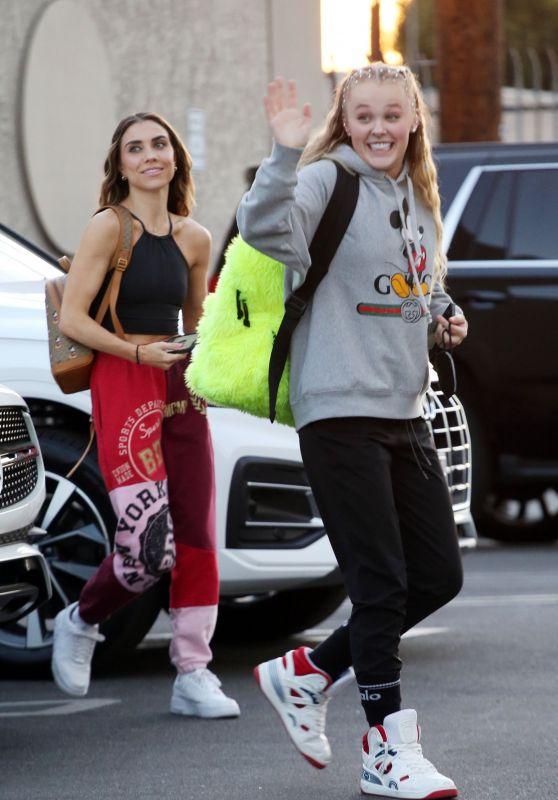 JoJo Siwa - Arriving for Dance Practice With Jenna Johnson in LA 10/16/2021