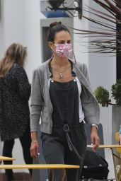 Jordana Brewster at Caffe Luxxe in Brentwood 10/06/2021