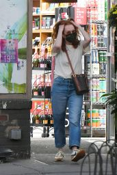 Julianne Moore in Casual Outfit - West Village in NYC 10/11/2021