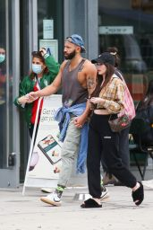 Kacey Musgraves and Cole Schafer - Out in New York City 10/05/2021