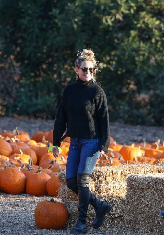 Kate Hudson - Pumpkin Patch in Santa Monica 10/14/2021