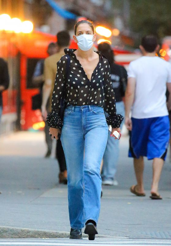 Katie Holmes - Out in New York City 09/23/2021