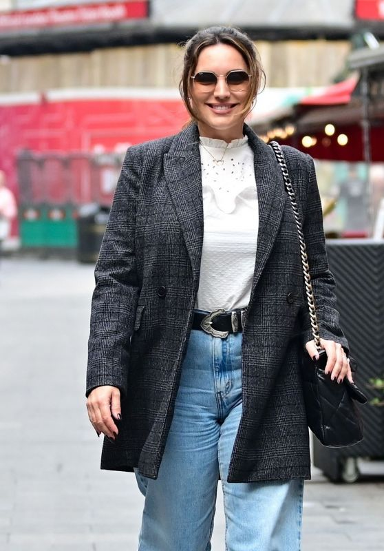 Kelly Brook Casual Style - London 10/19/2021