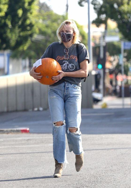 Malin Akerman - Gets a Pumpkin in LA 10/24/2021