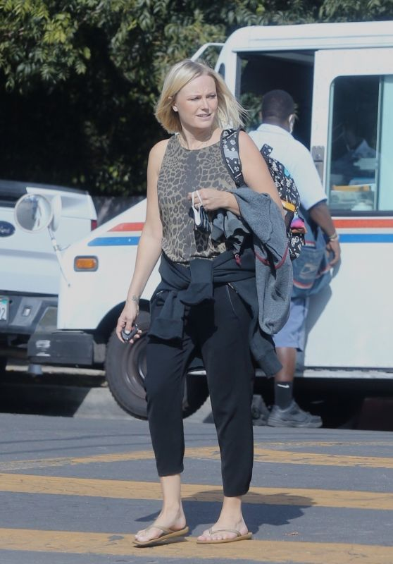Malin Akerman - Out in Los Angeles 10/08/2021