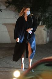 Margot Robbie - Leaving the Sunset Tower Hotel in West Hollywood 10/12/2021