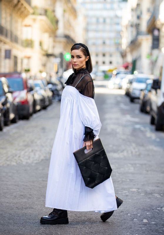 Olivia Culpo - Out in Paris 09/30/2021