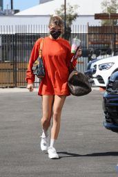 Olivia Jade Giannulli Wears Oversized Orange Long Sleeve Shirt - DWTS studio in LA 10/10/2021