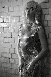 Phoebe Dynevor - Photoshoot October 2021