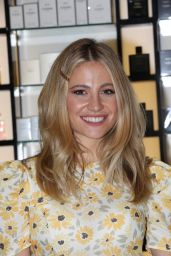 Pixie Lott - Rays of Sunshine Charity Event in London 10/02/2021