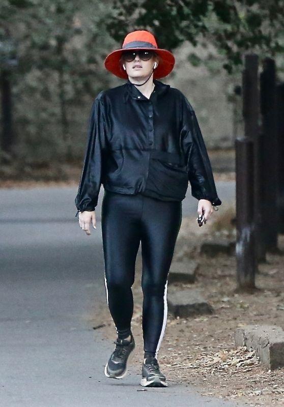 Rebel Wilson - Solo Hike in the Hills of LA 10/16/2021