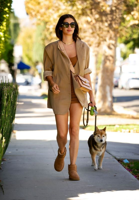 Sara Sampaio - Out in Los Angeles 10/12/2021