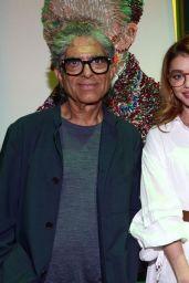 Sarah Hyland - An Intimate Evening with Deepak Chopra at Immersive Van Gogh in Los Angeles 09/29/2021