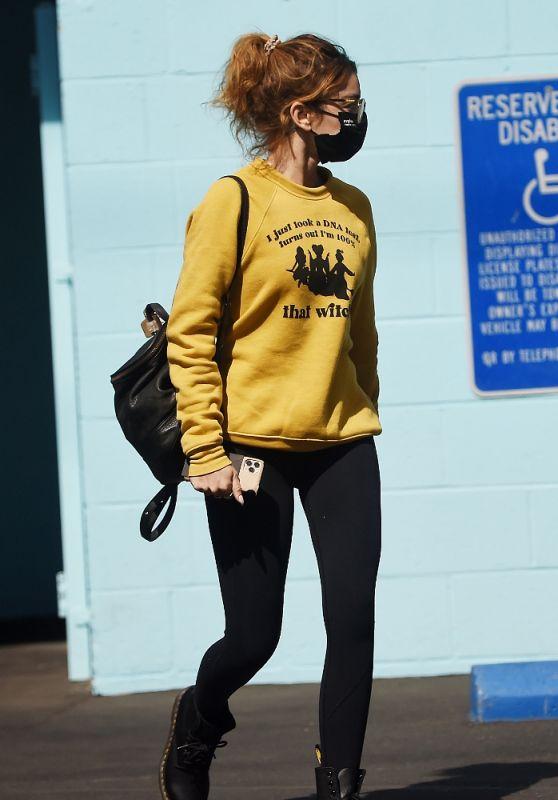 Sarah Hyland - Running Errands in LA 10/04/2021