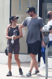 Sarah Shahi in Workout Outfit - Los Angeles 10/04/2021