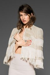 Úrsula Corberó - Photoshoot for Mine Magazine 2015