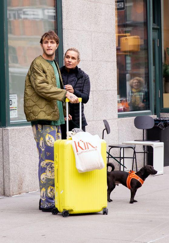 Yolanda Hadid and Anwar Hadid - Out in New York 10/13/2021